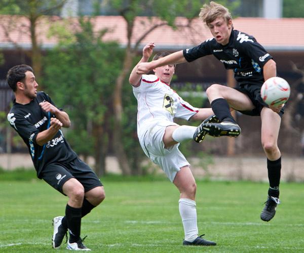 Das Spiel Dölsach : Matrei endet mit einem 4:0. Andreas Plangger und Markus Stocker schossen je 2 Tore.