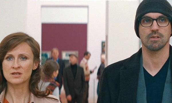 Noch sind sich Hanna (Sofie Rois) und Simon (Sebastian Schipper) treu ...