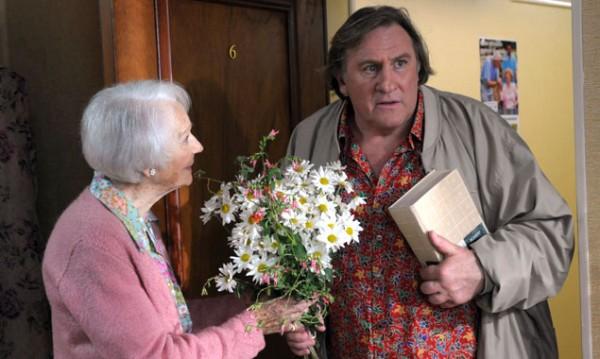 Alle halten Germain (Gérard Depardieu) für einen liebenswerten Dorftrottel. Aber die 95-jährige Leseratte Margueritte (Gisèle Casadesus) erkennt sein großes Herz und bringt es zu voller Blüte.