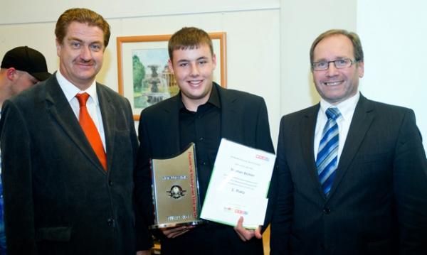 Stephan Bichler mit seinen Gratulanten