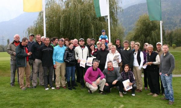 Die Teilnehmer der Hamacher Betriebsmeisterschaften mit Playing Pro Florian Pogatschnigg