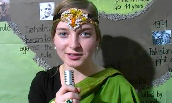Die Schüler der HLW Lienz bitten um Unterstützung bei der Video-Abstimmung.