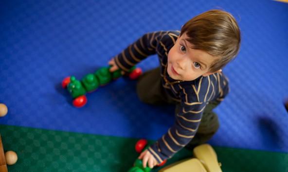 Am Vormittag zu Schulzeiten ist der Kindergartenbesuch in Lienz de facto kostenlos. Die ganzjährige und ganztägige Betreuung verändert sich das Angebot derzeit gravierend. Foto: Ekiz/Ramona Waldner