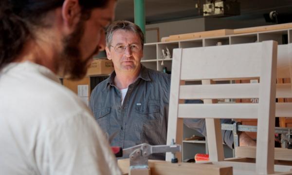 20 Jahre Schindel & Holz, 15 Jahre Schindel & Holz Mobil, 3 Jahre Umweltwerkstatt - Geschäftsfüher Heribert Pichler lädt am 22. Juni zum Tag der offenen Tür.