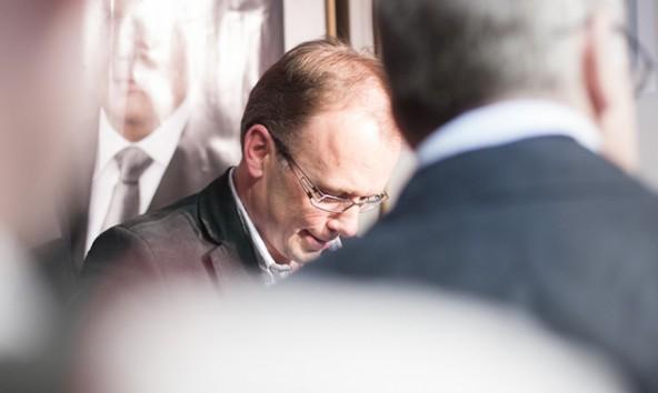 In der ÖVP-Parteizentrale wurde bereits beim Eintreffen der ersten Ergebnisse klar, dass Martin Mayerl deutlich vor Köll liegt. Foto: Tobias Tschurtschenthaler