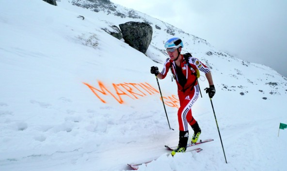"""Martin Gas"" steht in den Schnee der Hohen Tauern geschrieben. Vizestaatsmeister Martin Weisskopf hielt sich an den Tipp. Foto: Alexander Lugger"