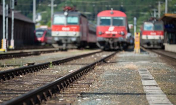 Sonderlandtag im Sommerloch. Die Direktverbindung nach Innsbruck ist wieder Thema.