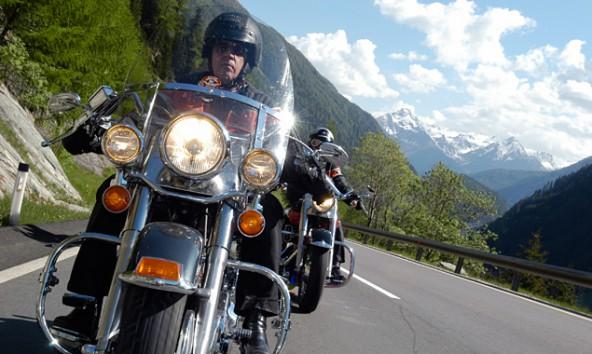 Am Montagfrüh donnern die Harleys auf ihrer Charitytour  über den Felbertauern nach Nordtirol.