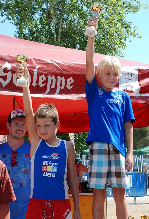 So sehen Sieger aus! Jonas Hauser und Christian Glanzer waren auch bei 39° im Schatten nicht einzuholen.