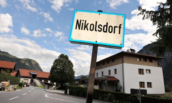Nikolsdorf zählt zu den stark verschuldeten Gemeinden, hat sich aber von 100% auf 71% Verschuldungsgrad verbessert.
