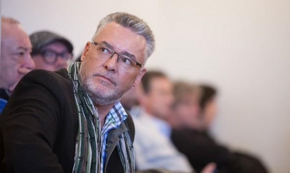 """""""Jetzt ruft der Brandstifter nach der Feuerwehr"""" wettert Sepp Schett in Richtung ÖVP. Foto: Martin Lugger"""