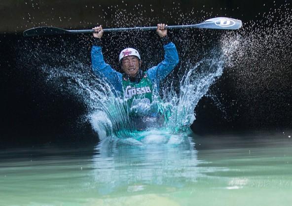 Im Wasser waren die Japaner nicht ganz in ihrem Element. im Bild Taro Ando vom Kazuna-Team. Foto: Expa/Gruber
