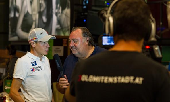Beim Dolomitenmann machte Werner Grissmann für uns persönlich den Reporter. Hinter der Kamera: Peter werlberger. Foto: Expa/Gruber