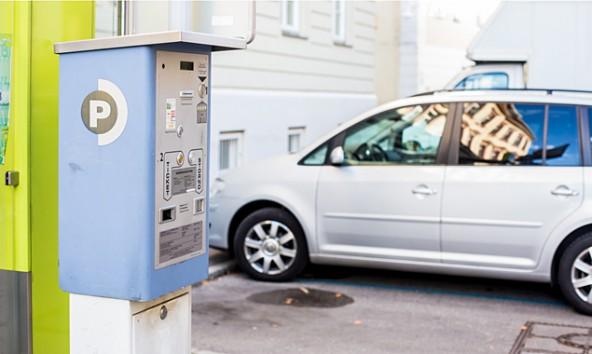 Zu den 23 alten kommen neun neue Automaten. Alle zusammen werden für die selbe Parkdauer mehr Geld schlucken.