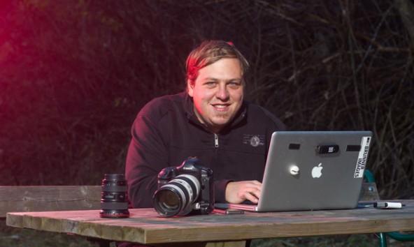 """Philipp Brunner erklärt,  wie man mit """"Lightroom"""" professionell Bilder sichtet, beschriftet und bearbeitet."""