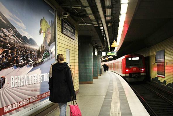 Der Großteil der Osttirol-Plakate ist in S-Bahnhöfen affichiert.