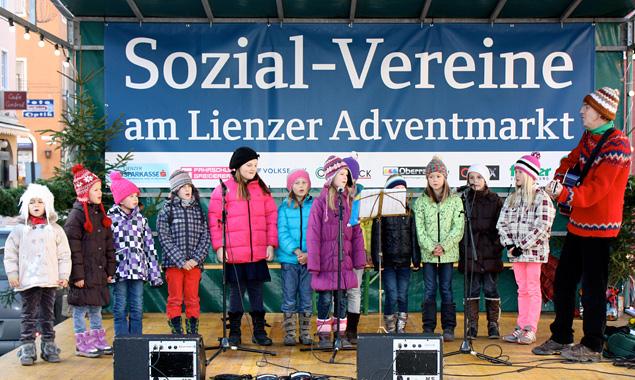 adventmarkt-sozialvereine-lienz-2013