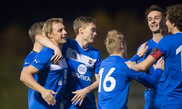 Die Schützlinge von Markus Hanser jubeln zum Abschluss der Herbstsaison über ein 5:0 gegen Radenthein.