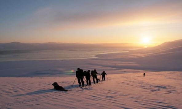 Wer einmal hier war, kehrt immer wieder zurück: Spitzbergen. Foto: Alpincenter