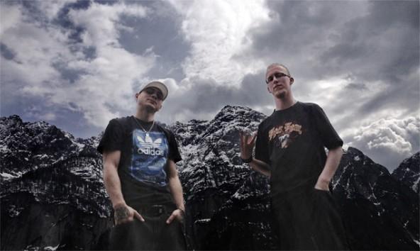 """Rene Bacher und Ralph Rojko alias Rin & Jes haben soeben ihre erste LP veröffentlicht: """"Schattenkampf""""."""