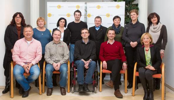 Die Mitglieder des Lienzer Behindertenbeirates. Von links stehend: