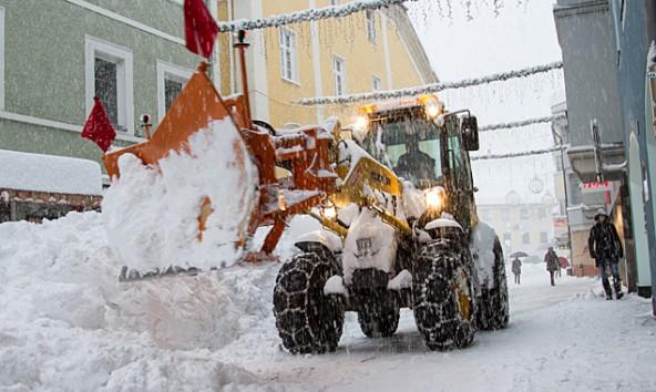 Fallen höher aus, als geplant: Die Kosten für die Schneeräumungen, wie hier in der Rosengasse. Foto: Stefan Tschapeller