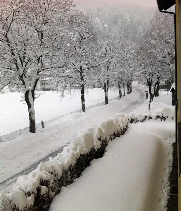 Schneefoto-aus-der-Meranerstrasse