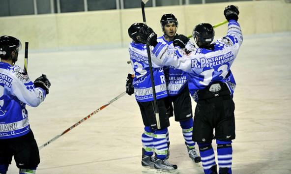 Im dritten Finalspiel, am 25. Februar wollen die Icebears Toblach wieder jubeln. Foto: Anton Oberhammer