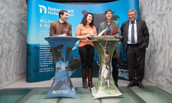 Die Länder wollen gemeinsam Naturdenkmäler pflegen, v.l. Martin Ragger, Ingrid Felipe, Astrid Rössler, Rupert Lindner.