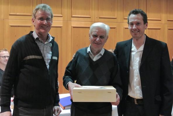 Gründungsmitglied Adalbert Gander mit Reinhard Willlhelmer (links) und Dietmar Passler (rechts).