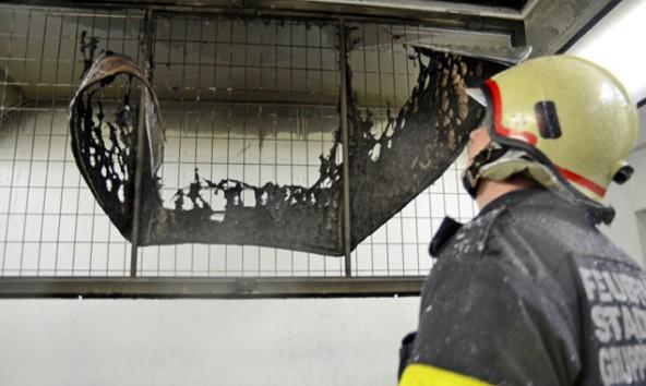 Ein Hitzestau in der Heiz- und Umluftanlage der Firma soll die Brandursache sein. Foto: Brunner Images