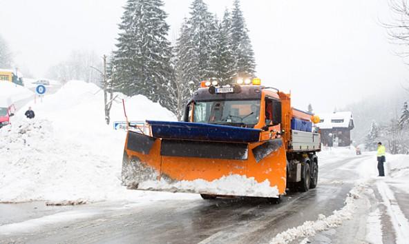 Defereggen-druch-Schneemassen-bedingt-noch-gesperrt