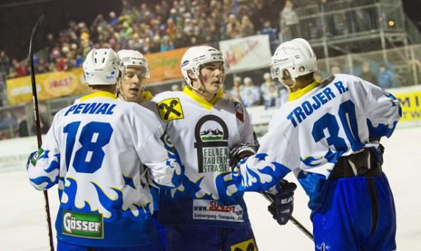 Pewal, Trojer & Co. stehn in der 1. Kärntner Eishockey-Division im Halbfinale. Foto: Expa/Groder