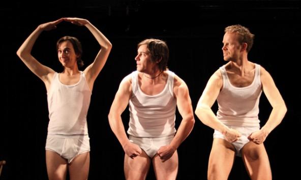 Unstimmigkeiten und Improvisationen auf der Bühne sind beim Feinripp-Ensemble nicht ausgeschlossen, v.l.: Bernhard Wolf, Markus Oberrauch, Thomas Gassner.