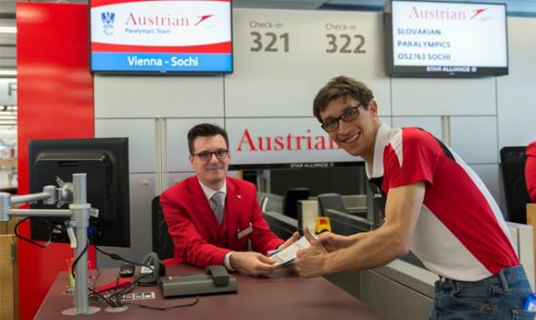 Osttirols Paralympics-Starter Michael Kurz beim Abflug nach Russland.