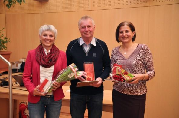 Zusammen sind sie 100 Jahre bei Kolping Lienz: Emmo Reider 50 Jahre und Angela (links) und Elisabeth Wilhelmer je 25 Jahre.