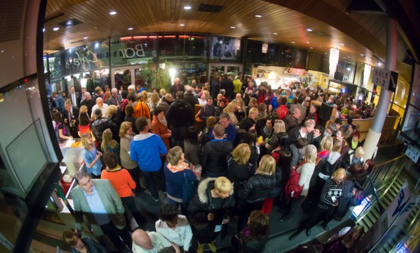 """Im CineX herrschte großer Besucherandrang, bevor """"Rise Up and Dance"""" in den vier Sälen zeitversetzt vorgeführt wurde."""