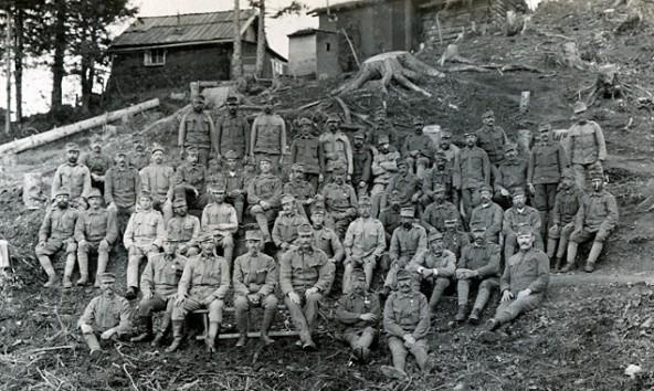 Feldgendarmen am Frontabschnitt Col di Lana, um 1916. Sammlung Werkmeister Anton Trixl, Tiroler Archiv für photographische Dokumentation und Kunst (TAP)