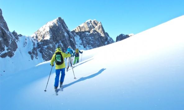Vor allem Orte mit einem starken Skitourenangebot konnten die außerordentlich gute Schneelage nutzen. Foto: Sandra Rauch