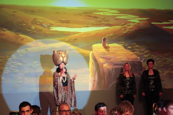 """Mit """"Can You Feel The Love Tonight"""" aus """"König der Löwen"""" von Elton John brachte Claudia Köll einen Hauch von Afrika in das Matreier Tauerncenter."""