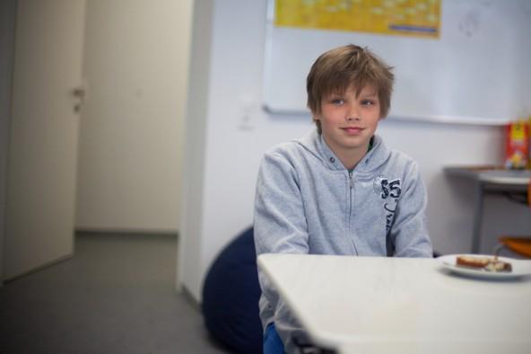 """Ilja Drexel gilt an seiner Schule als Multitalent – Im Schnelldurchlauf erlente er das Lormen, bei """"Känguru der Mathematik"""" wurde er in seiner Kategorie Landessieger."""