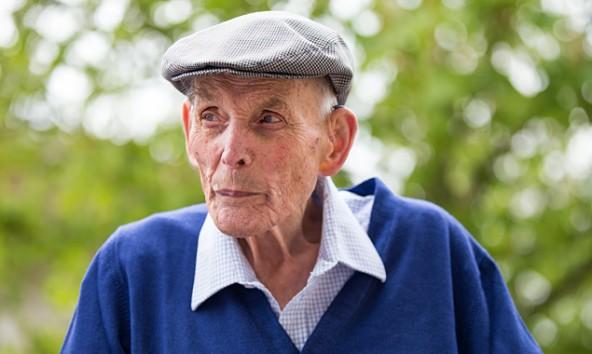 Kaum zu glauben, aber er ist 100 Jahre alt: Anton Presslaber aus Matrei in Osttirol. Fotos: Expa/Groder
