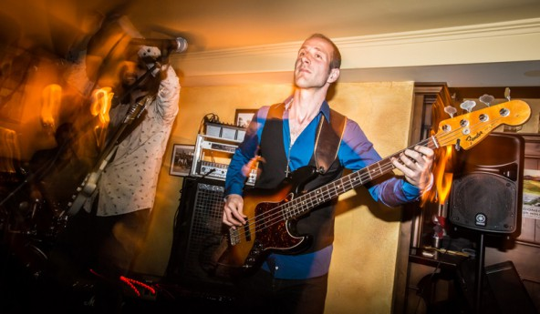 Der Bassist Daniel Lottersberger stammt aus Ainet und lebt in Den Haag. Fotos: Brunner Images