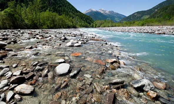 """Fast alle Signale stehen auf """"Stopp"""" für ein Kraftwerk am Gletscherfluss Isel in Osttirol. Foto: Wolfgang C. Retter"""