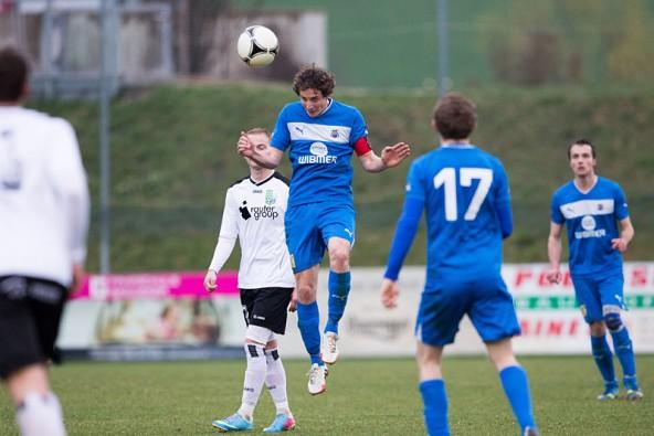 Kapitän Lukas Brugger und sein Team bescherten den Fans ein 5:0 Ostergeschenk. Foto: Brunner Images