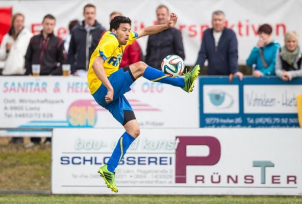 Alexander Huber, SV Tristach, der torgefährlichste Mann bei diesem Derby. Fotos: Expa/Groder