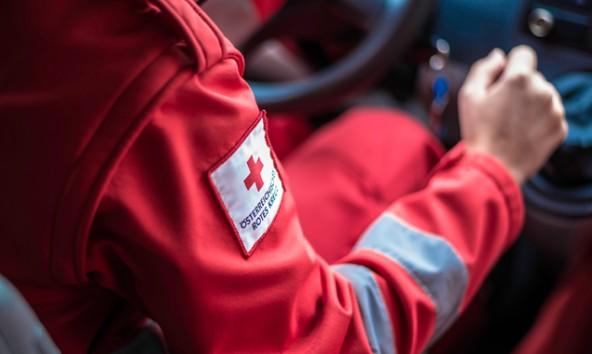 """""""Überstellungs-Transporte für Osttirol"""" – für diesen Zweck sammeln Spendenwerber derzeit im Bezirk. Das Rote Kreuz, das diese Aufgaben tatsächlich durchführt, distanziert sich von der Aktion. Foto: RK Lienz"""