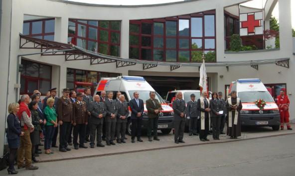 Vor der Generalversammlung wurden neue Fahrzeuge geweiht. Fotos: RK Osttirol