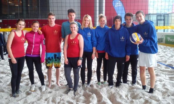 Die beiden Beachvolleyball-Teams des BORG Lienz bei den Landesmeisterschaften in Kufstein. Foto: BORG Lienz