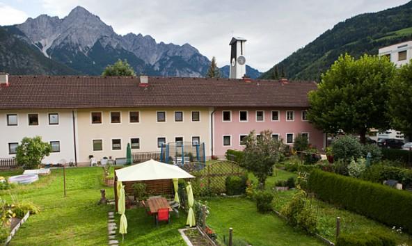 Auch das ist Lienz. Am Samstag, 17. Mai laden ab 10.00 Uhr Architekten und Historiker zur gemeinsamen Entdeckungsreise in die Südtiroler- und Friedensiedlung. Foto: Ramona Waldner